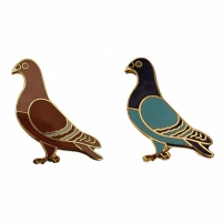 Badge - 22mm Enamelled Standing Pigeon Badge